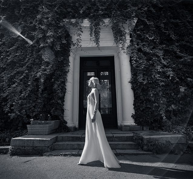 Bride's photo -Before - Example of wedding photography editing