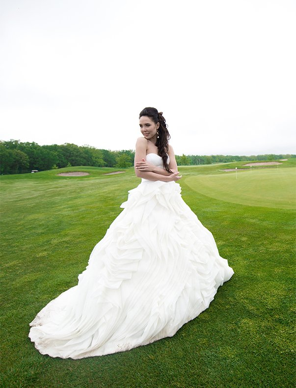 Wedding photo editing example - Bride in a dress - Before